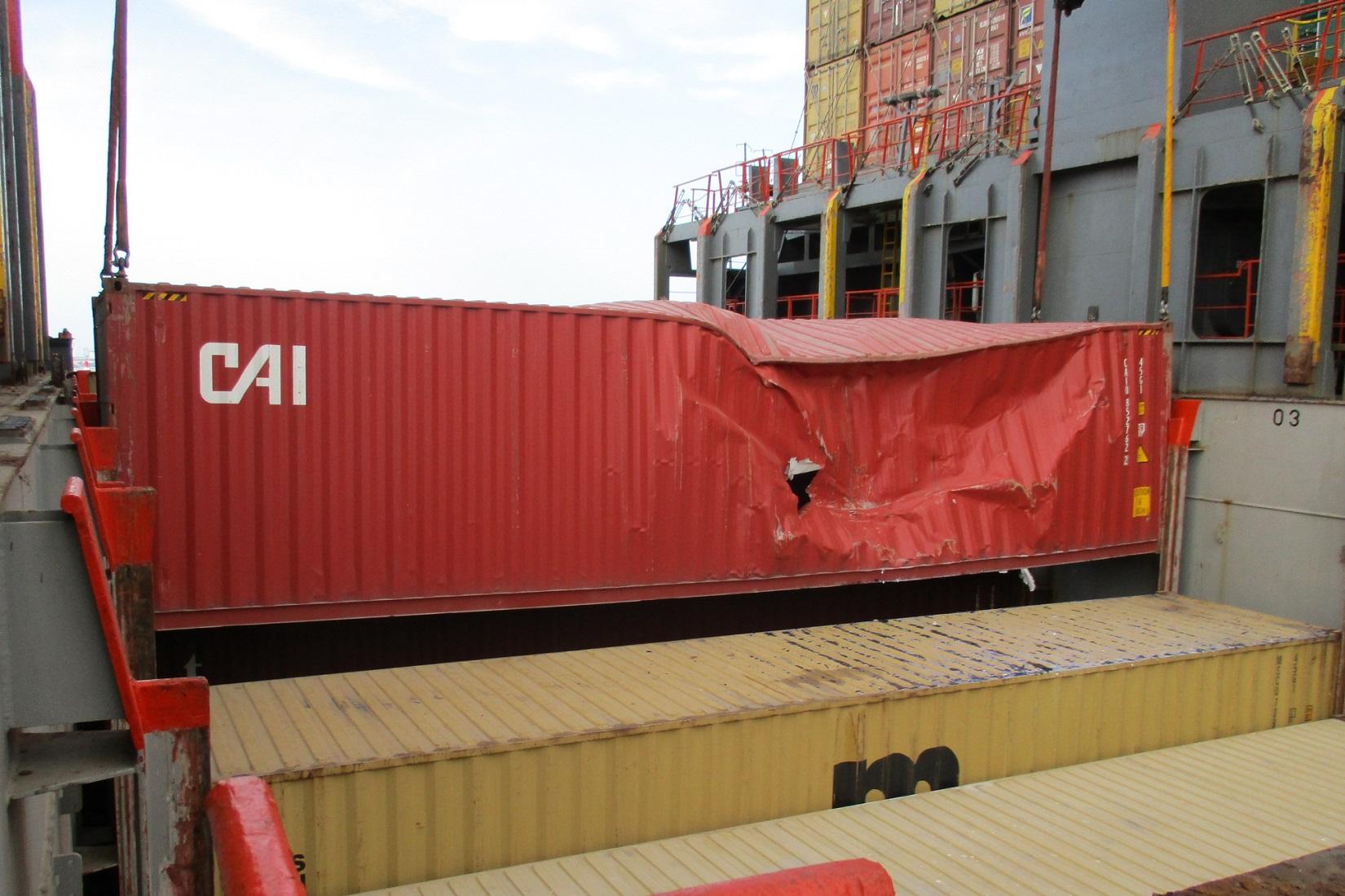 marine-surveyor-valencia-container-damag
