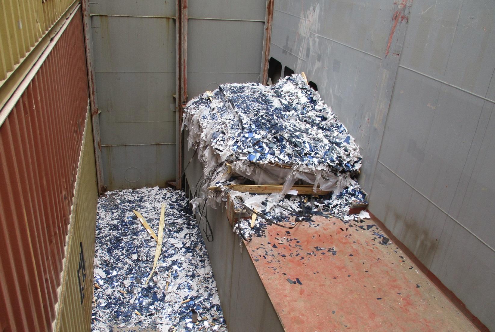 marine-surveyor-valencia-container-damaged-glass-spain