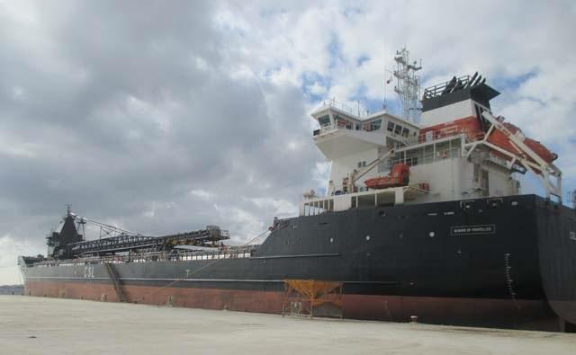 marine-surveyor-spain-self-unloader-ship-condition-inspection
